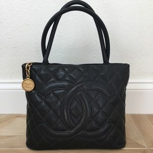 Chanel black caviar medallion w/ gold hardware